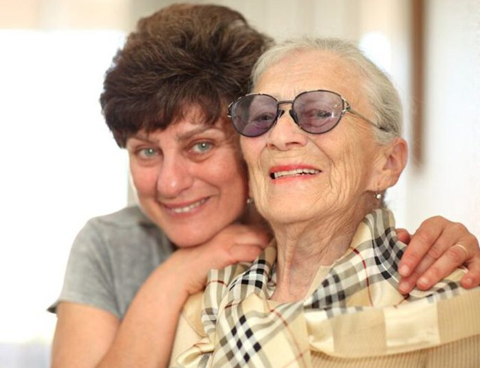happy-woman-with-elderly-mother-featured-blog-img